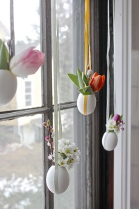 Easter Decorations - 700_easter-egg-vases