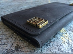 Christmas 2015 Gifts for Him - Mens US Military Deluxe Trifold Wallet, iPhone 5, 5c, 5s & 6