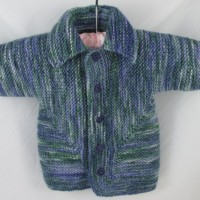Homemade Gifts for the Holidays 01 Baby Cardigan Sweater green and blue baby shower gift handmade homemade