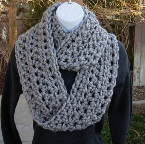 Kristine Kruse a Midwestern Mix - Christmas 2015 Gift Ideas - A Midwestern Girl's Gift Guide -INFINITY SCARF Cowl Loop Light Solid Grey Gray 100 Soft Bulky Ac