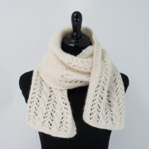 Samantha Crafty Paralegal - Christmas 2015 A Guide to Gifts for Your Family Away from Home - Alpaca Scarf, Lace, Cream