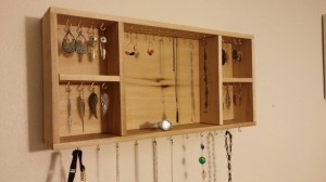 Mothers Day Gifts - Hanging Jewelry Box